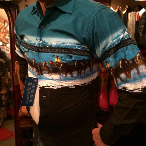 3051111-chemise-country-western-panhandle-slim-BLEU-AVEC-motif-cheveaux_cowboy-série-limited-homme-la-joya.JPG