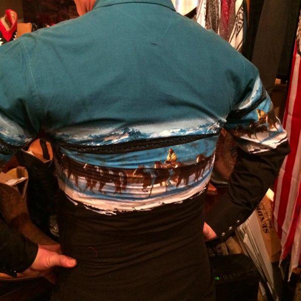3051111-chemise-country-western-panhandle-slim-BLEU-AVEC-motif-cheveaux_cowboy-série-limited-homme-la-joya.JPG3