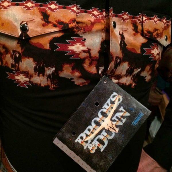 V6S2402-chemise-country-western-BROOKS-&-DUNN-NOIRE-avec-motif-rodeo-fleur-série-limited-homme-la-joya3