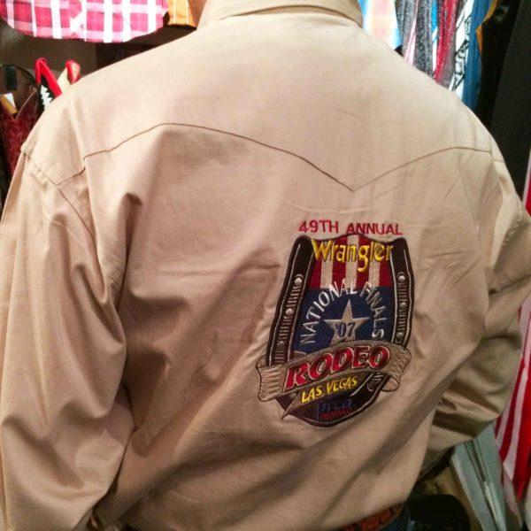chemise-wangler-MP2120T-western-country-rodéo-homme-beige-avec-broderie-la-joya-western1.JPG5