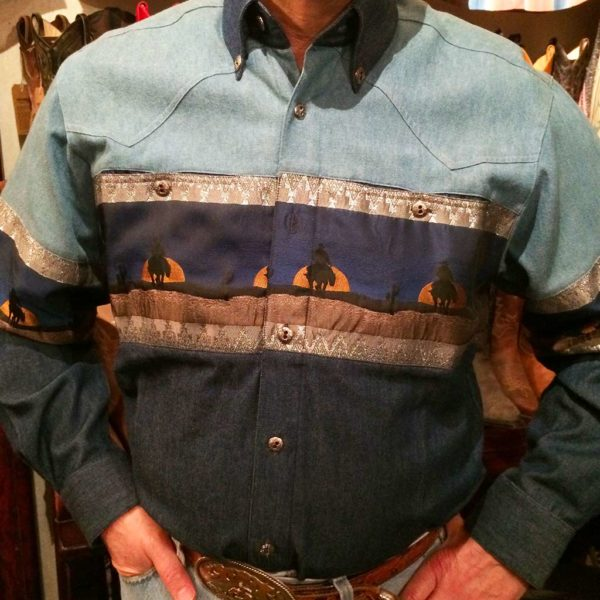 chemise-western-country-Stars-and-Stripes-motif-loup-bleue-color-bleue-homme-la-joya-1