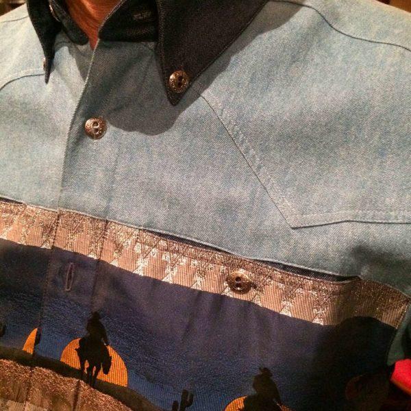 chemise-western-country-Stars-and-Stripes-motif-loup-bleue-color-bleue-homme-la-joya-2